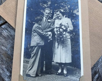 Wedding Card, Vintage Wedding, Bride and Groom, Wedding Flowers, Vintage Wedding Card, Vintage Bride, Wedding Card, 1950s, Vintage Photo