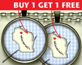 """Wisconsin map necklace / pendant / jewelry / state map / jewellery/ pendant / necklace / key chain / key ring / key fob / Souvenir """"n049B"""""""