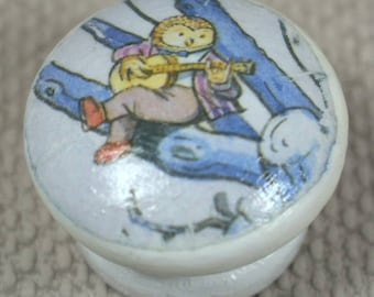 Nursery Door Knobs & hand painted with Farrow and Ball white eggshell, 4cm Dia