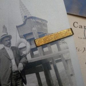 brass tie bar / vintage tie clip / brass tie clip / TEXTURED TIE BAR