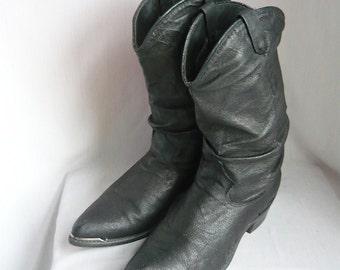 Womens 80s Slouchy Cowboy Ankle Boots/ size 6 .5 Eur 37 Uk 4 / Black  Leather Biker METAL TOE / Rockabilly Urban Western Flats