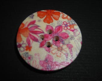 Set of 2 cm 3, 4 holes floral wooden buttons