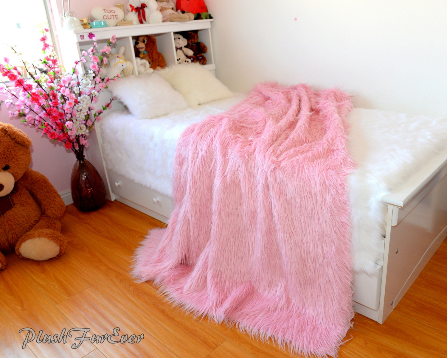 Pink Mongolian Faux Fur Throw Blanket Comforters Luxurious