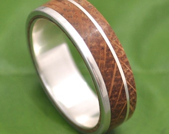Kentucky Bourbon Barrel Wood Ring - White Oak Un Lado Asi Wood Ring - whiskey barrel wood wedding band, bourbon barrel ring, mens wood ring
