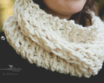 White Scarf, Infinity Cowl, Chunky Cowl, Fashion Scarf, Knit Cowl Scarf, Hand Knit, Knit Snood, Christmas Scarf, Trendy Scarf, White Lace