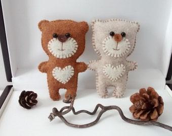 Felt Bear / Felt Ornament/ Valentine Gift / Christmas Ornament/ Key Holder /Handmade