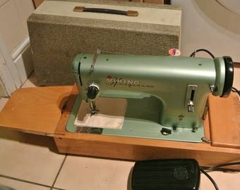 Viking Husqurvana Vintage sewing machine
