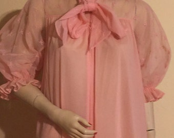 """Vintage soft pink chiffon nylon robe with sheer bodice, back and poof sleeves, with decorative embroidered """"leaves"""" in Size 32 S"""
