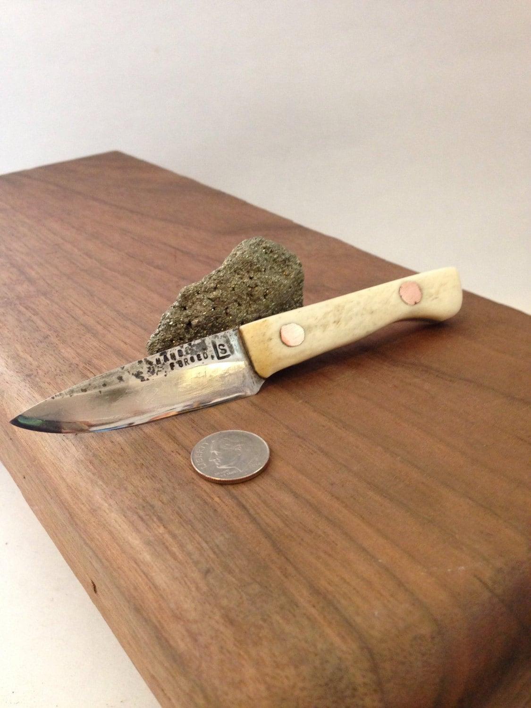 Mieder Strumpfband Messer Knochengriff mit Kupfer-Pins