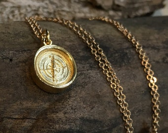 Compass pendant, Minimalist Gold Compass necklace, dainty necklace, Layering Necklace, casual necklace, Gift for her, casual - AFN 115