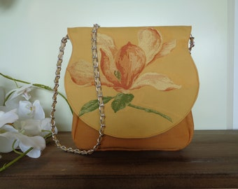 Embroided Pastel Yellow Vintage Flower Clutch