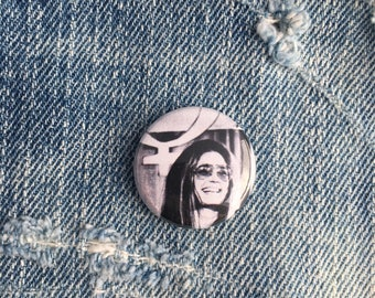 gloria steinem, feminist pin, 1 inch pin back button, gloria steinem button