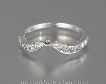 DELIGHT Wedding Band 14k gold and Moissanites