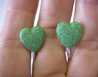 "Play Earring - Clip - Puffy Heart - Glitter - Green - 1/2"""