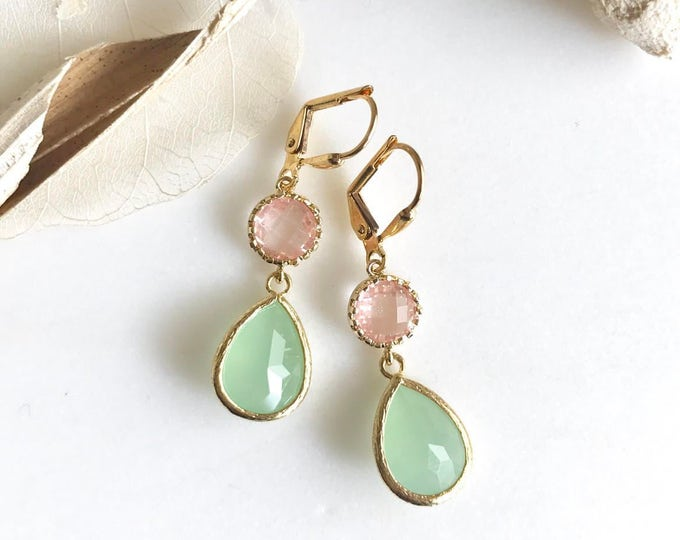 Mint Teardrop and Grapefruit Pink Jewel Drop Earrings in Gold.  Mint and Coral Bridesmaid Dangle Earrings. Jewelry Gift. Wedding. Bridal.