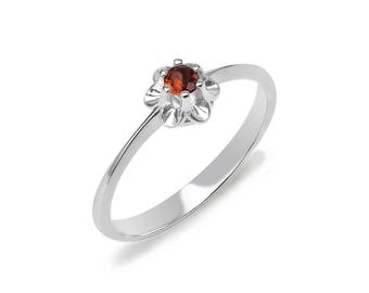 Garnet Ring, 925 Sterling Silver. color red, weight 1.7g, #46912