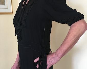 Vintage 1930s/1940s little black dress tea dress