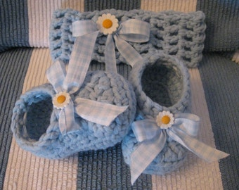 Crochet Baby Girl Hairband with Gingham Blue Ribbon and Daisy Flower Matching Booties Ready to Ship Set Affordable Shower or Birthday Gift