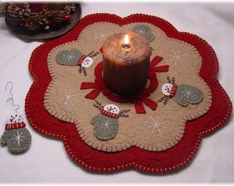 SnowMittens Penny Rug Candle Mat MAILED PAPER PATTERN
