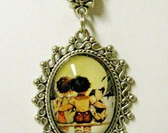 Good housekeeping pendant and chain - DAP05-001