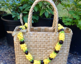 Hawaiian Pineapple Ribbon Black Kukui Nut Lei 4