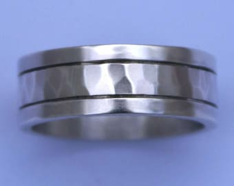 Men's Wedding Band Silver Hammered Ring