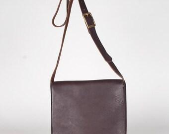 Messenger bag small brown/ leather messenger bag / cross body leather bag / tablet bag / leather briefcase / day bag / brown leather bag