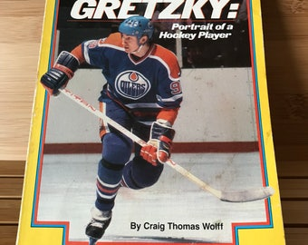 Wayne Gretzky: Portrait of a Hockey Player Book