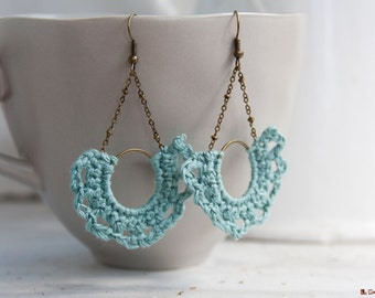 Half-moon Earrings | crocheted | turquoise linen