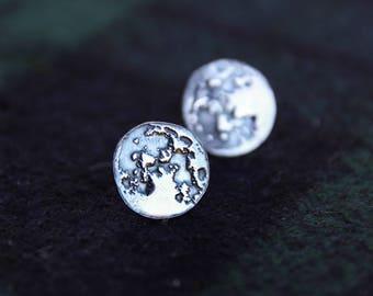 moon earrings, full moon earrings, silver moon earrings, stud moon earrings, circle earrings