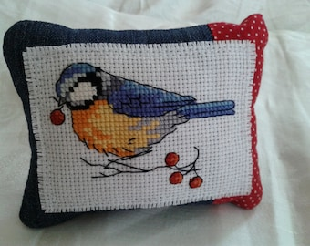 Embroidered bird pincushion, Needlework, Cross stitch, Pin cushion, pin keep holder, pin pillow, sewing gift, accessory, sewing room decor