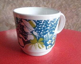 Vintage retro 1970s Childs Nursery Rhyme cup depicting Mary Mary Quite Contrary, Made in England