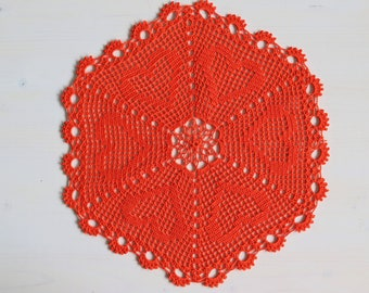 Red Hearts doily, 32 cm