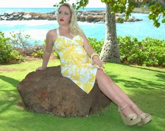 Tiki Maternity Dress in Yellow Hawaiian Print