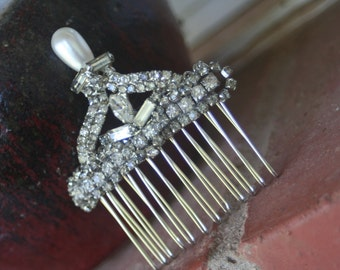 H10 Diamond Pearl Rhinestone Hair Comb Upcycled Vintage