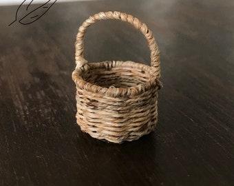 1:12 scale Miniature basket
