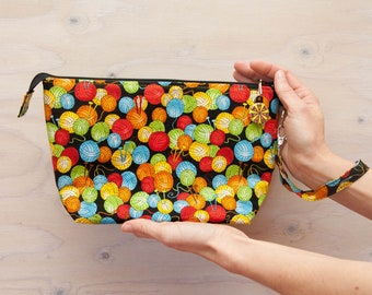Knitting project bag, yarn print bag, crochet bag, medium bag, wrist strap, zipper pull, knitting bag, red, grey, black