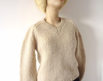 1950s Wool Sweater -  vintage pale camel v-neck pullover jumper hand knit in Italy