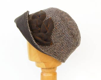 Bucket hat with large brim,Harris tweed Cloche hat,1920s Cloche hat-Herringbone Bucket Hat,Woolen cloche hat,Winter accessories,Warm hat