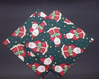 Santa Claus, Christmas Dinner Napkins, Holiday Napkins, Hostess Gift, Christmas Gift, Christmas Wedding Gift