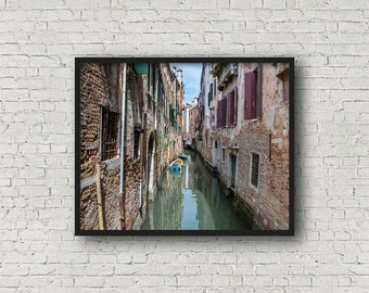 Venice Street Print / Digital Download / Fine Art Print/ Wall Art / Home Decor / Color Photograph / Travel Photography