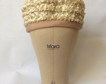 Vintage 50s Straw Pillbox Hat | 1950s Beige Woven Church Hat | Cellophane Straw Raffia Pillbox Hat