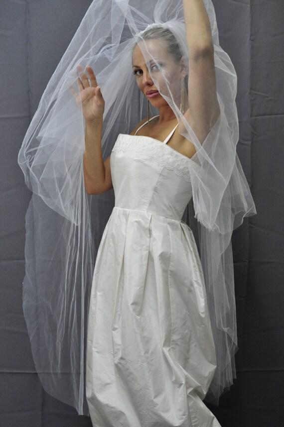 Designer-Brautkleid. Ausverkauf. Creme Kleid Brides.Skirt