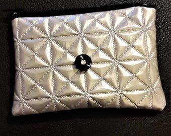 Wallet / chic silver card holder