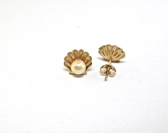 14k Gold And Pearl Earrings