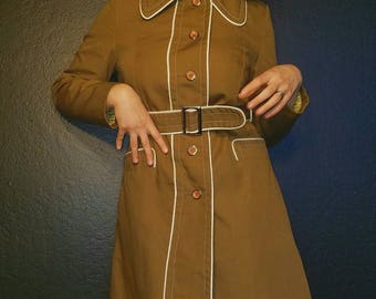 Vintage Lady Forecaster Portland of the West: 1960s Trench Coat