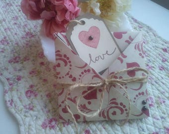 Vintage Valentine's Day Gift Card Holder - FREE Shipping - Birthday, Wedding, Gift Bag, Party Favor or Wedding Gift Wrap, handmadewithlove13