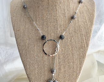 Beaded lariat necklace with angel wing heart