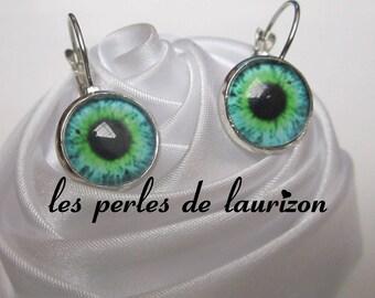 Earrings in green eye look