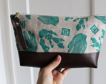 Cactus Cosmetic Bag. Waxed canvas pouch. Southwestern style Makeup Bag. Vegan Travel accessory. Gifts for cactus lovers. Vegan leather bag